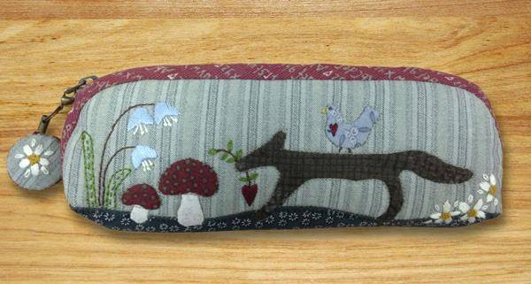 Lynette Anderson Little fox zippered purse